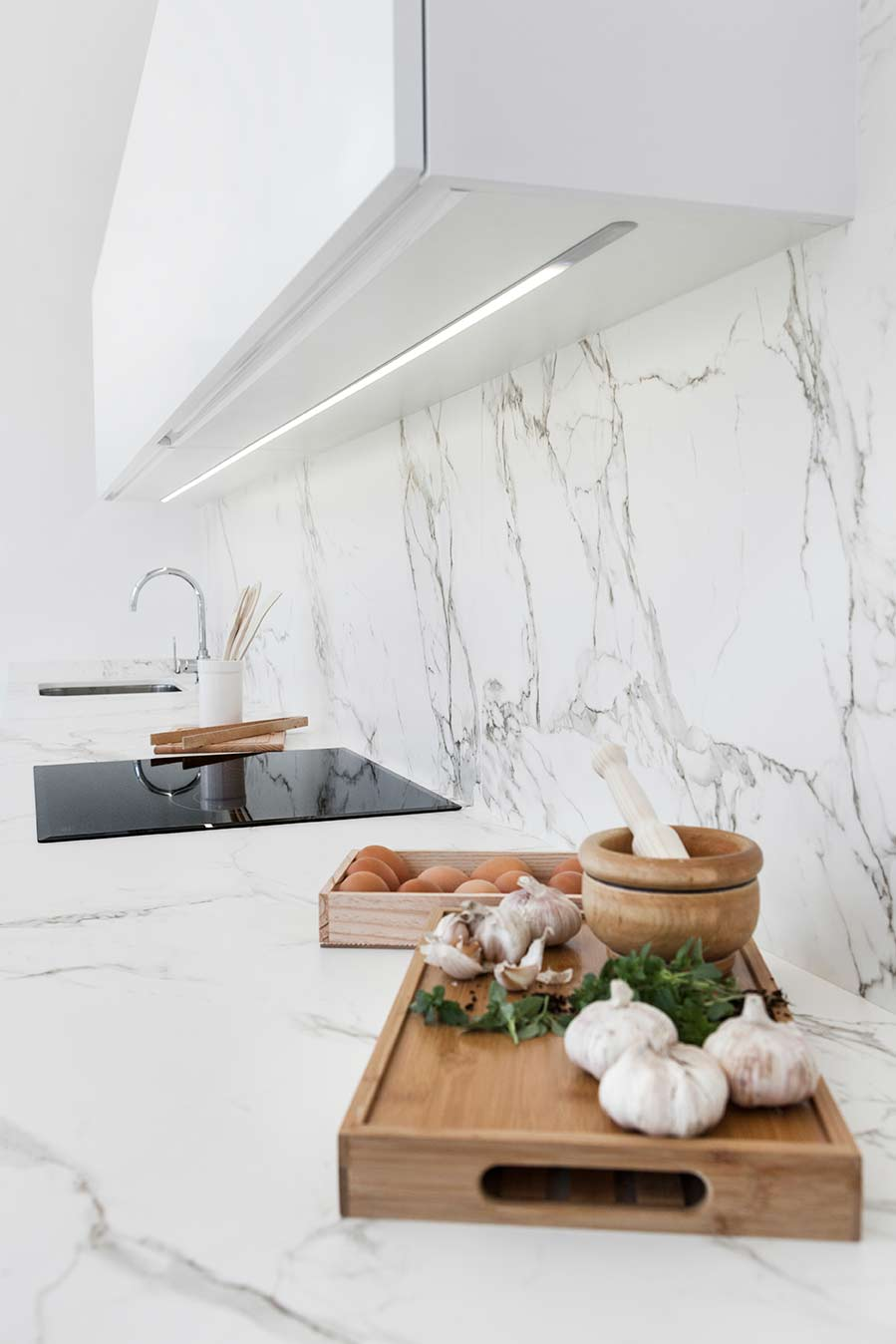 Muebles de cocina con tiradores ocultos