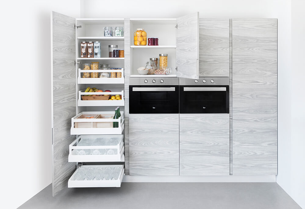 Cocina gris y madera blanca cocinas vitoria muebles de for Muebles de cocina alemanes