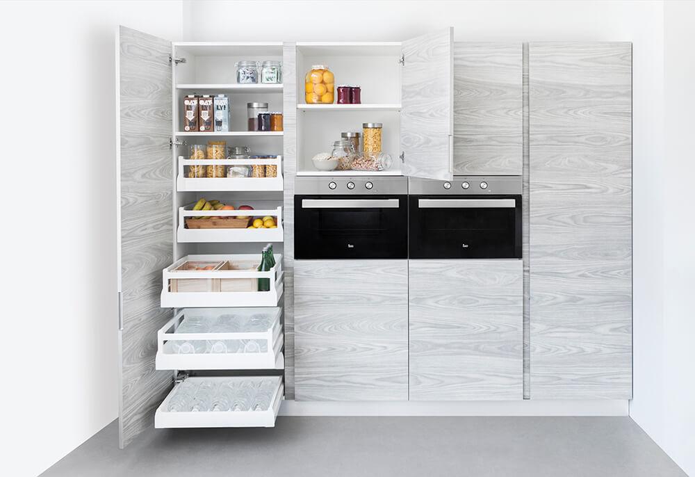 Cocina gris y madera blanca cocinas vitoria muebles de for Cocina blanca y madera