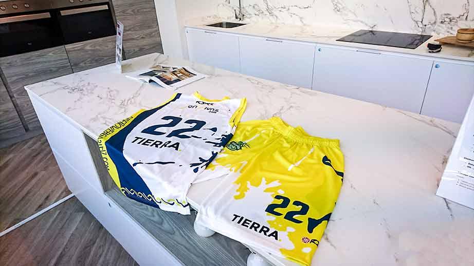 Tierra HOME - Cocinas Vitoria patrocina al equipo Los Herrán de basket esta temporada