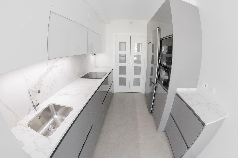 Diseño de cocinas tras el confinamiento. Cocinas blancas en Vitoria