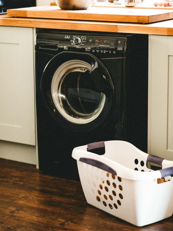Instalar la lavadora en la cocina, ¿si o no?